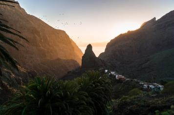 2016_07_life-of-pix-free-stock-landscape-mountains-birds-stefanstefancik