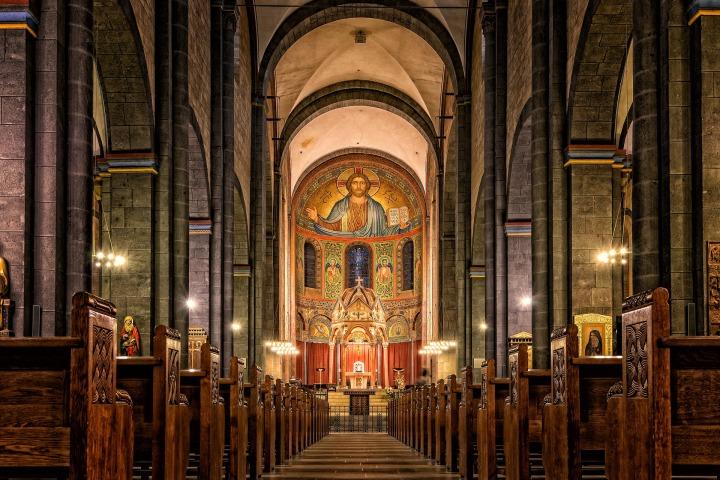 church-3024768_1920